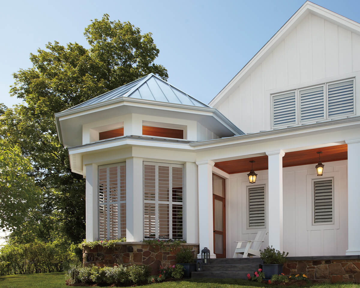 Hunter douglas shades for your sunroom drapery street for Hunter douglas exterior sun shades