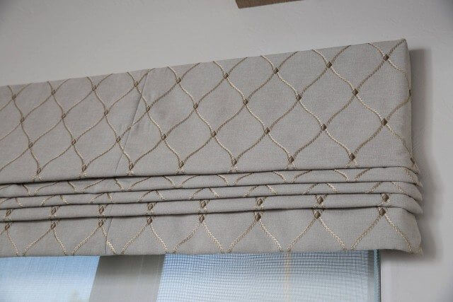 Close up valance