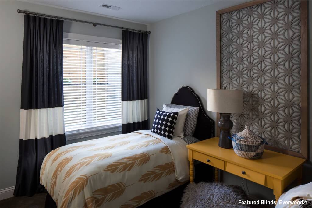 Bedroom-with-Seamed-Drapes-1024x683